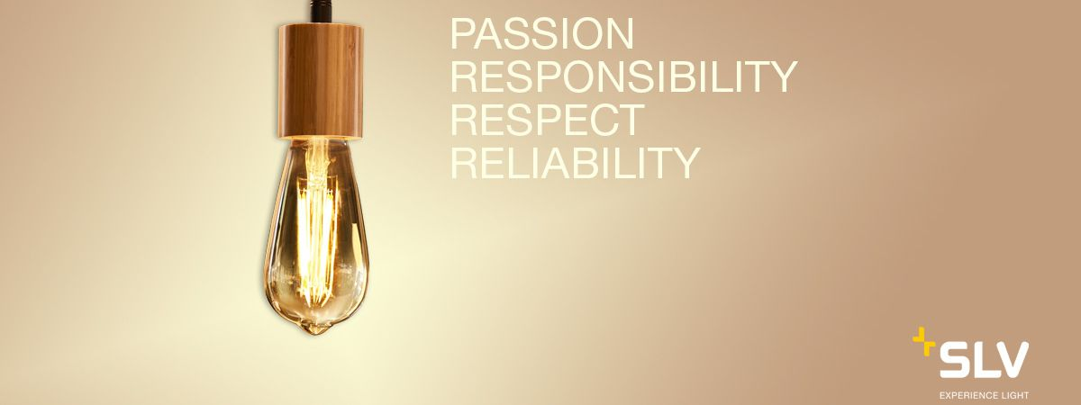 """Pendelarmatuur van SLV met de waarden """"passie, verantwoordelijkheidsgevoel, respect & betrouwbaarheid""""."""